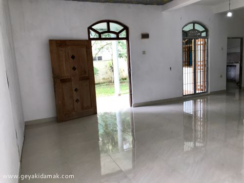 1 Bed Room House for Rent at Kaduwela - Colombo